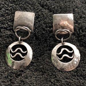 Jewelry - Silvertone Hammered Artisan Dangle Earrings.